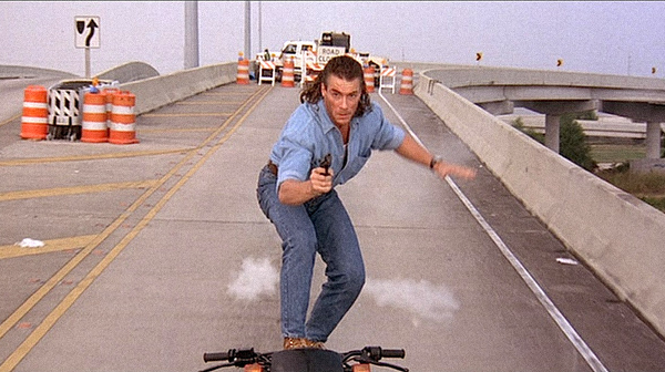 Jean-Claude van Damme in John Woos Hollywood-Debüt HARD TARGET (1993). Quelle: Universal DVD