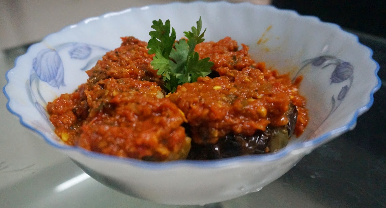 Stuffed capsicum with gravy, Bharwa shimla mirch with curry, potato stuffing