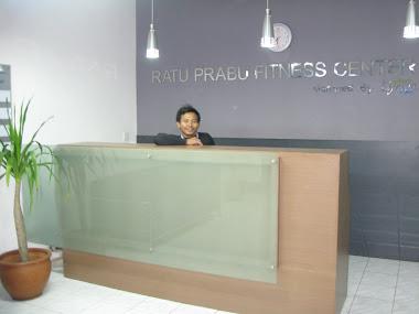 Meja konter Ratu prabu 2  ruang Fitness center