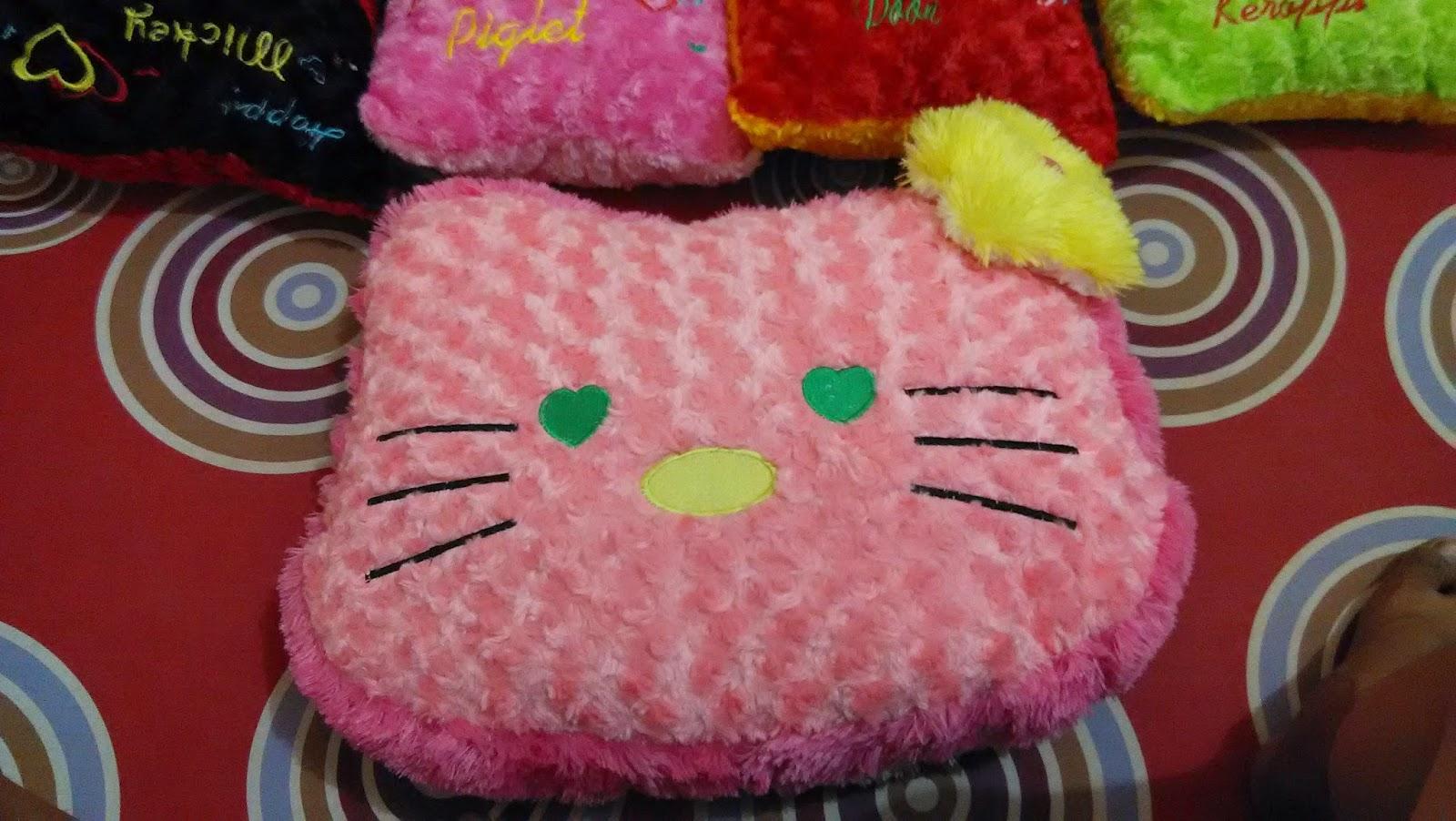 Ini gambar Bantal Boneka Hello Kitty Lucu