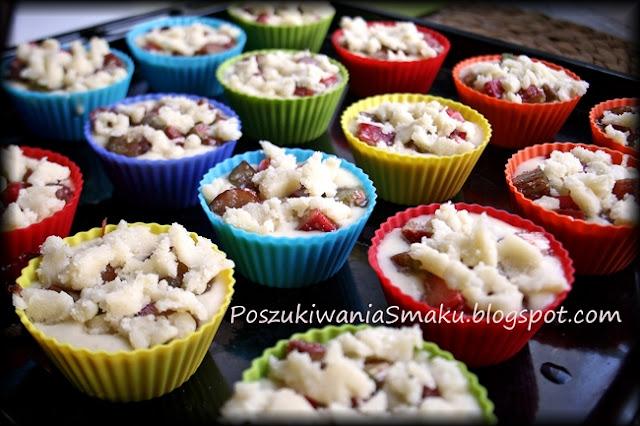 muffiny z rabarbarem i kruszonką