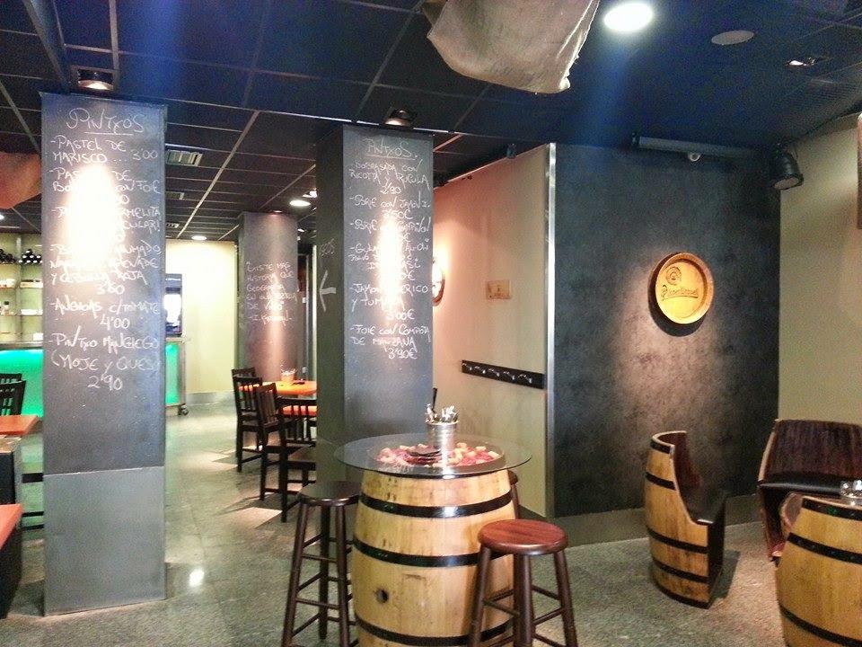 Un buen bar de Tapas y Vinos cerca de Chueca en Madrid: CARMELITA LOUNGE