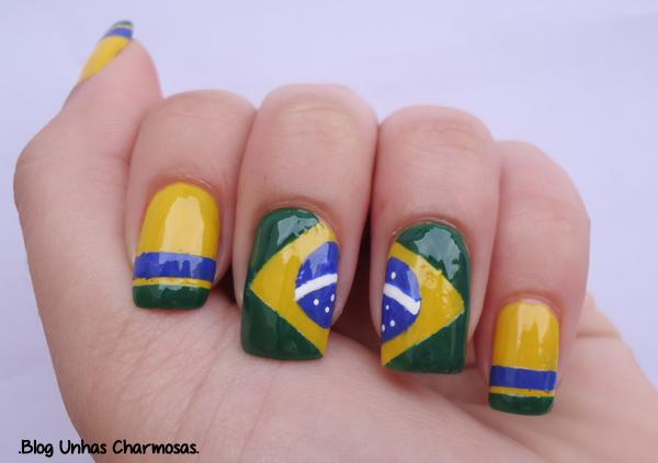 tutorial unha da bandeira do Brasil, tutorial unha para a Copa do Mundo, nail art, tutorial, Unhas para a Copa do Mundo 2014, unha da bandeira do Brasil, passo a passo unha da bandeira do Brasil, nail art para copa, Copa do Mundo 2014, unhas verde e amarelo, esmalte Frio na Barriga, esmalte Verde esmeralda, esmalte Olho no Lance,