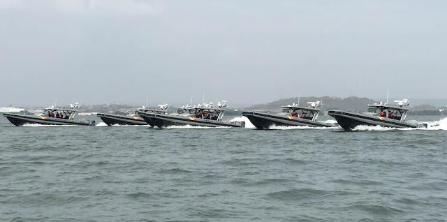 Seis nuevos botes interceptores Apostle 410 de reacción rápida fueron entregados a la Armada de Colombia.