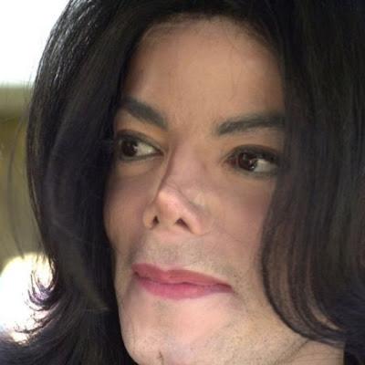 Многочисленные пластические операции на носу майкла джексона (michael jackson) сделали свое черное дело - носовой