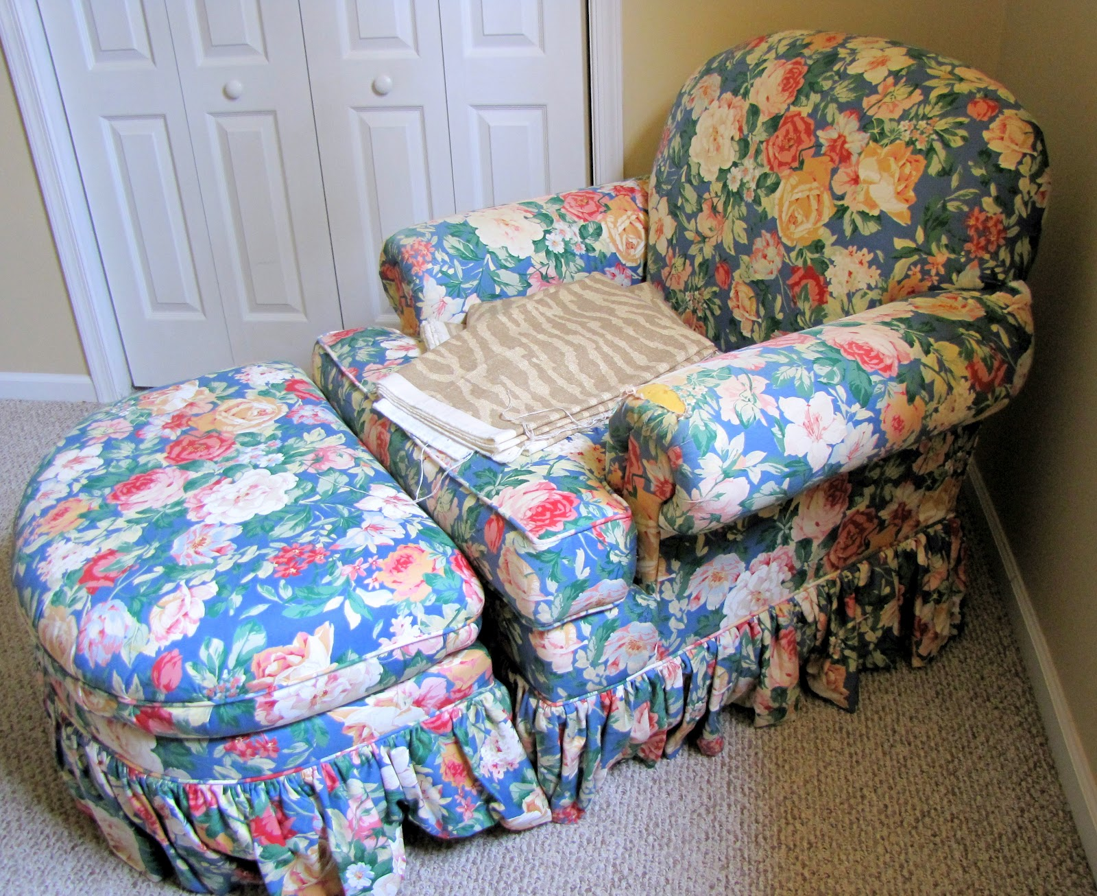 Armchair And Ottoman Slipcover Tutorial :: Including How To Make A Pattern