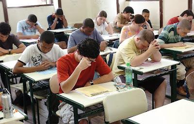Estudantes Enem - Um Asno