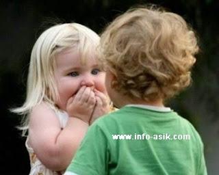 Foto Bayi Lucu dan Gambar Bayi Lucu