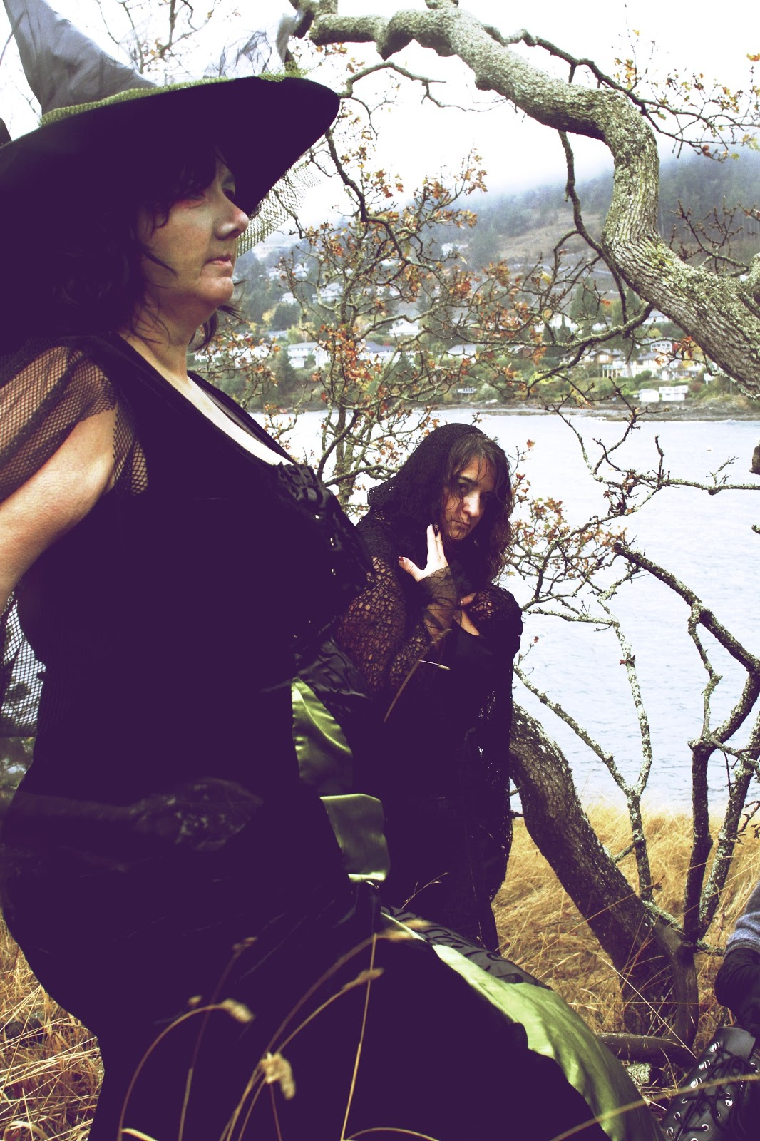 witches in the woods by lisarey photography nanaimo witch