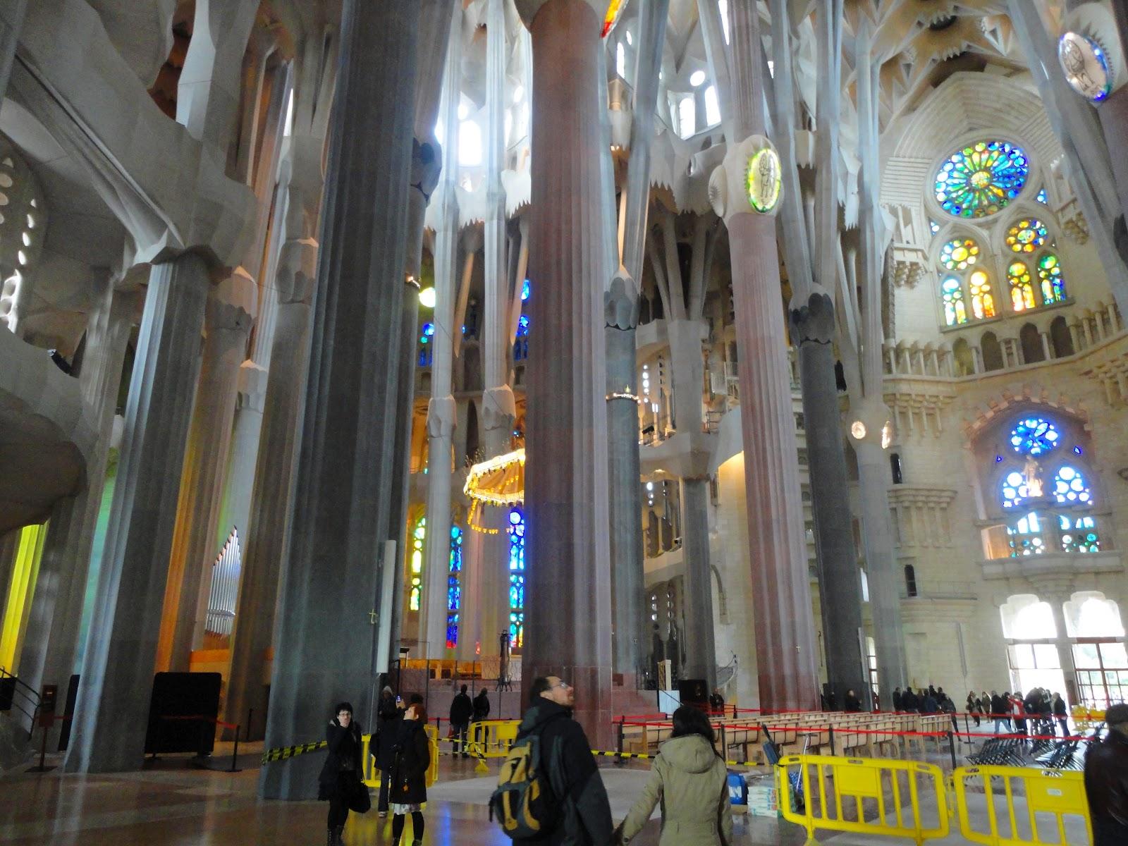 Viagens xl viagem a barcelona dia 2 for Interior sagrada familia