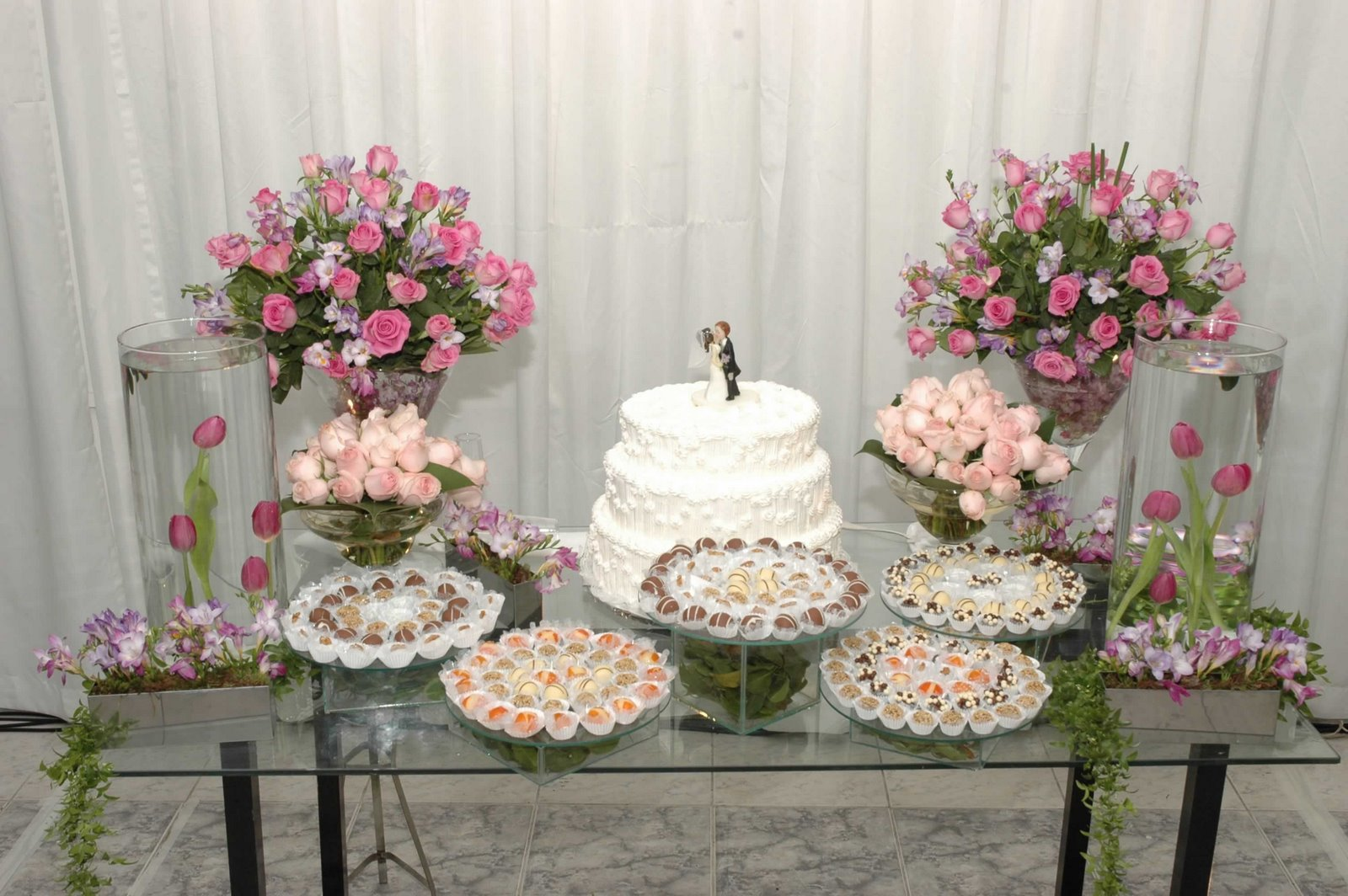 ://www.allmoda.com/decoracao casamento como decorar um casamento.html #85465D 1600x1064