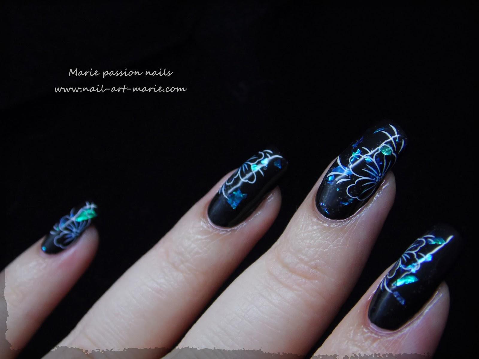 Nail art fleurs de diamant3