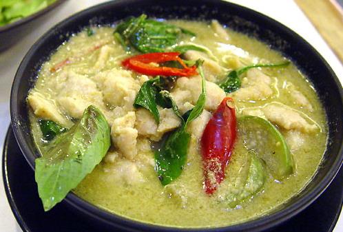Sacha Moreira: Thai Green Chicken Curry Recipe