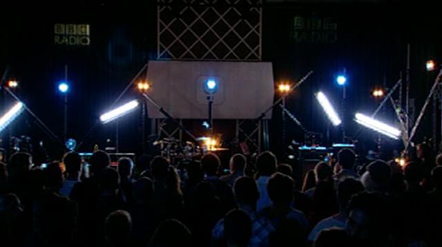 blurmaidavale stage, damonalbarn guitar, damon albarn maida vale, blur maida vale 2012, maidavale