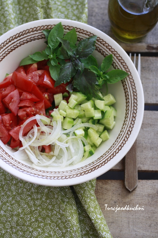 Zwykła sałatka obiadowa