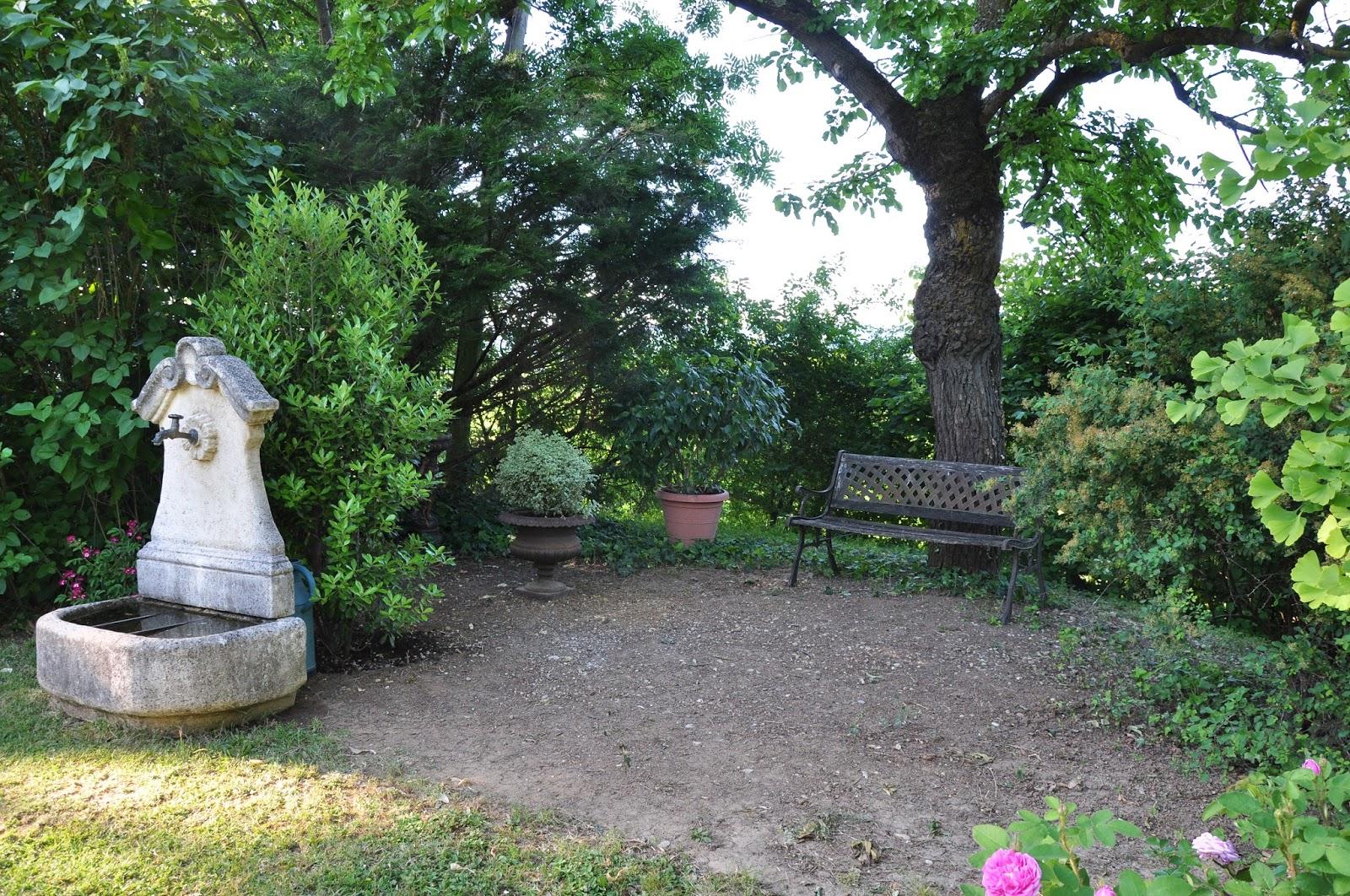 le jardin du bois joli mon petit jardin secret. Black Bedroom Furniture Sets. Home Design Ideas