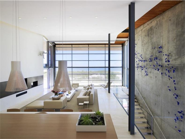 casa de diseño con vistas al mar