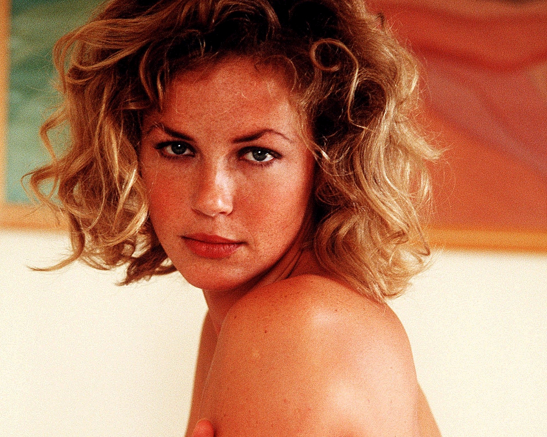 Connie Nielsen - Photo Gallery