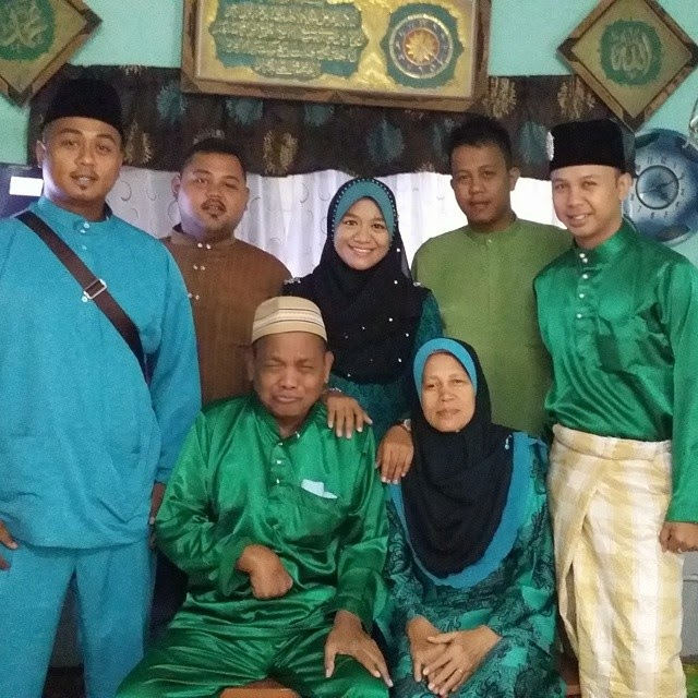 keluarga saya..