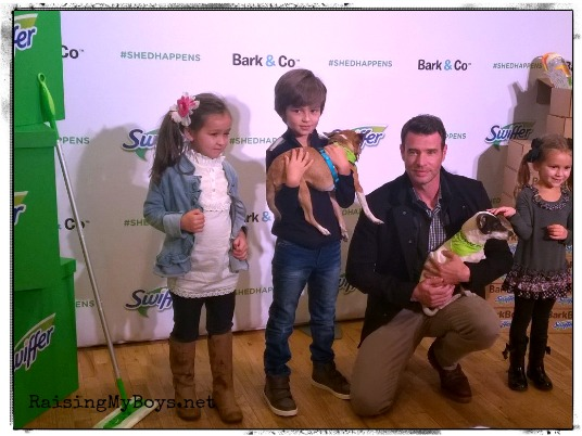 Scott Foley with kids and puppies