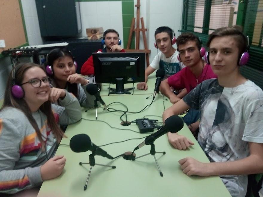 EQUIPO DE RADIO SEVERO