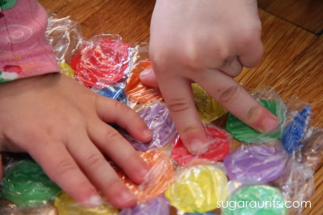 The index, middle finger, and thumb are needed to manipulate items in fine motor tasks. This activity is a great way to encourage dexterity in kids.