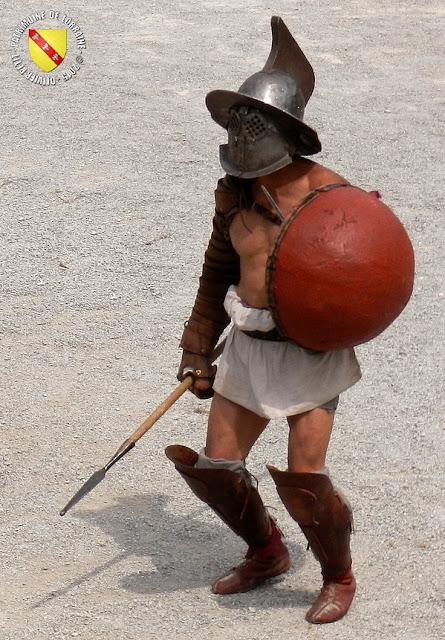 GRAND (88) - Les gladiateurs dans l'arène ! - Hoplomaque