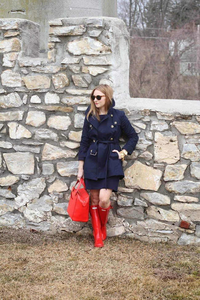 gap dress, jcrew factory trench, kate spade handbag, hunter boots, julie vos jewelry, elizabeth & james sunnies