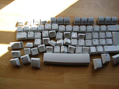 http://2.bp.blogspot.com/-02kQGh-XNjk/ToDqNIhyXBI/AAAAAAAAAA8/jwgaGYcykww/s400/cest-un-clavier-pas-un-puzzle-d520ebb6-c8ea-4e17-982d-08a420e19afe1.jpg