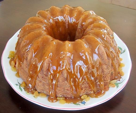 how to make glaze icing for a pound cake