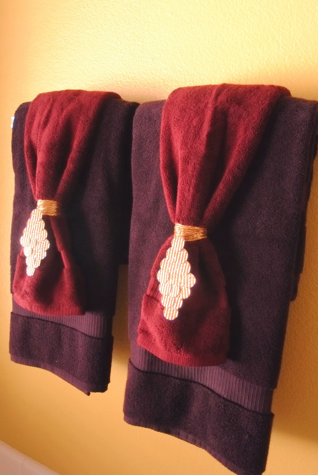 Decorative Bathroom Towels Best Home Ideas - Purple bath towels for small bathroom ideas