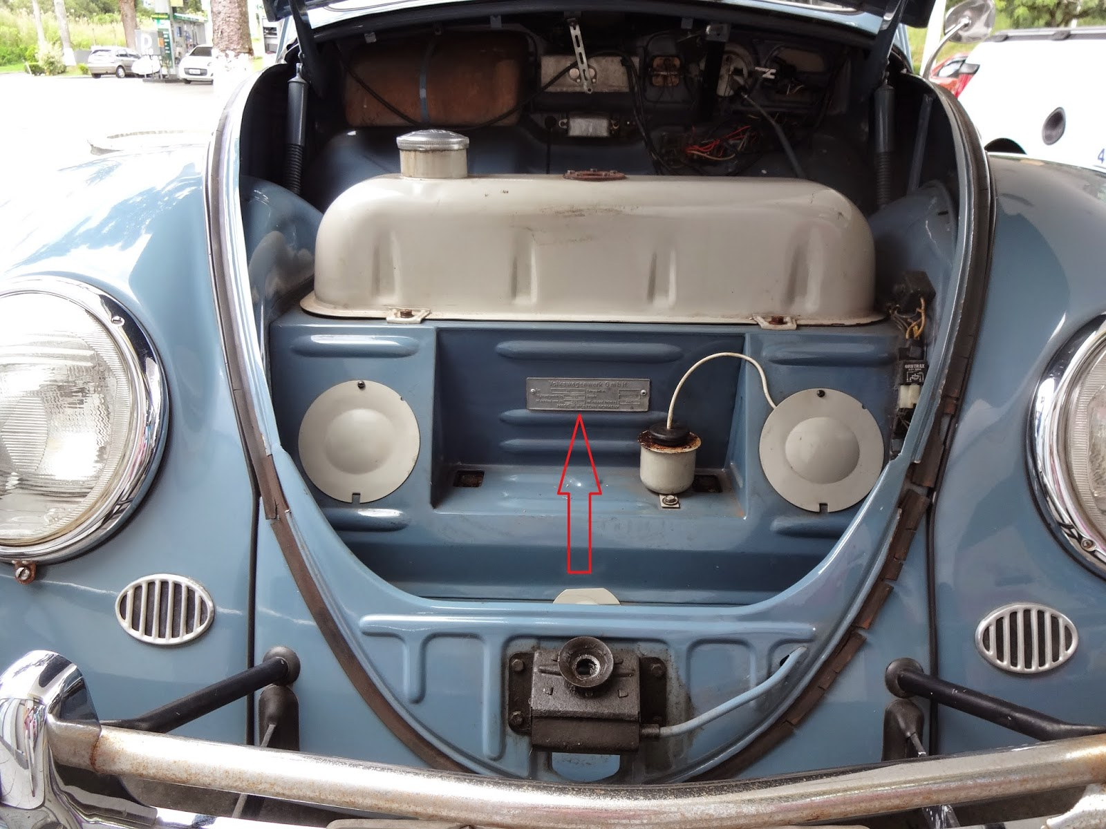 Volkswagen Repair furthermore File Herbie 53 in addition Collectible Classic 1990 1992 Volkswagen Jetta Gli also Watch together with Exhaust Flap 2552590. on vw beetle logo