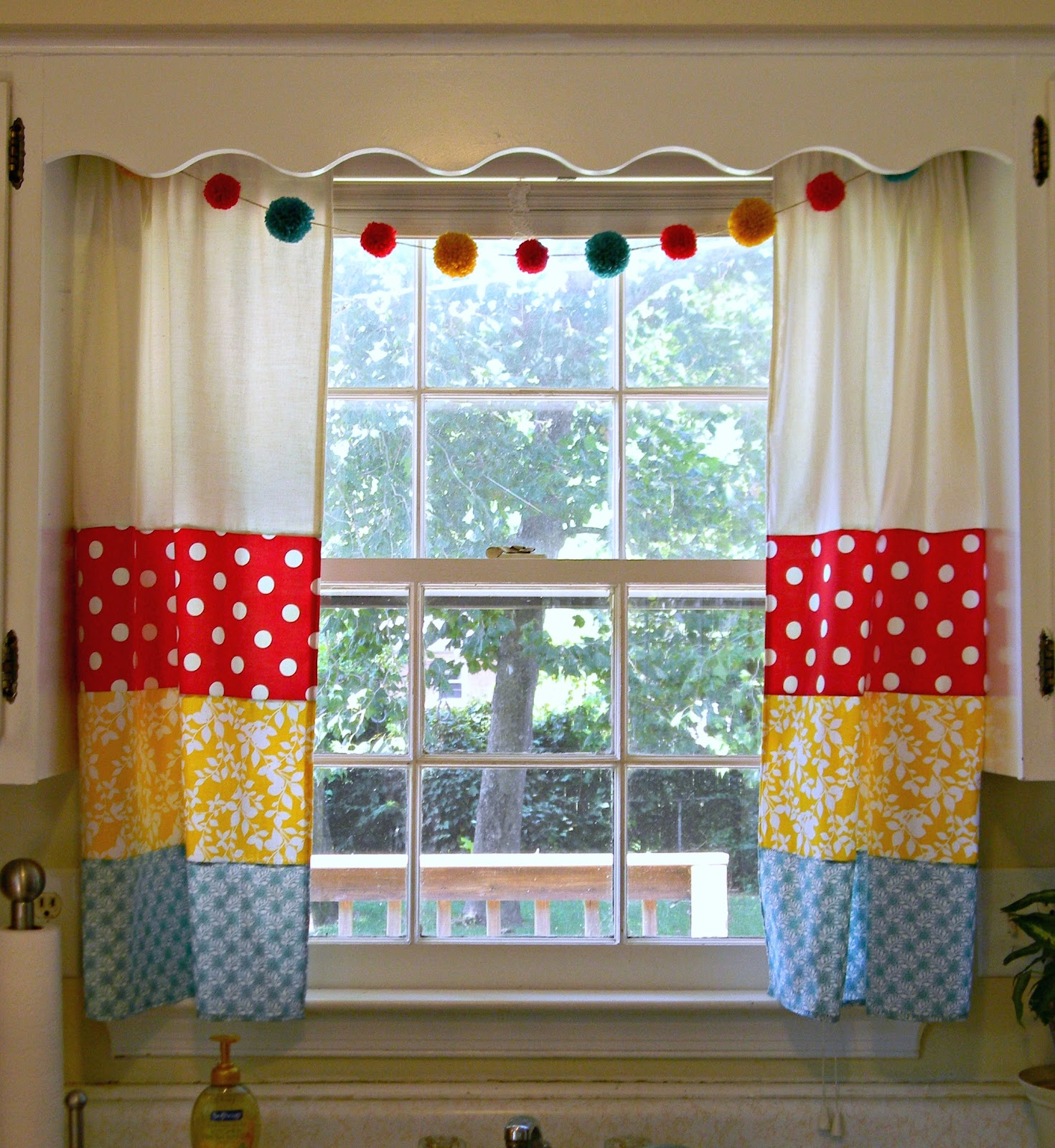 Freaked out 39 n small my fancy new kitchen curtains - Curtain for kitchen door ...