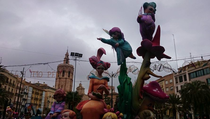Falla de la Plaza de la Reina.