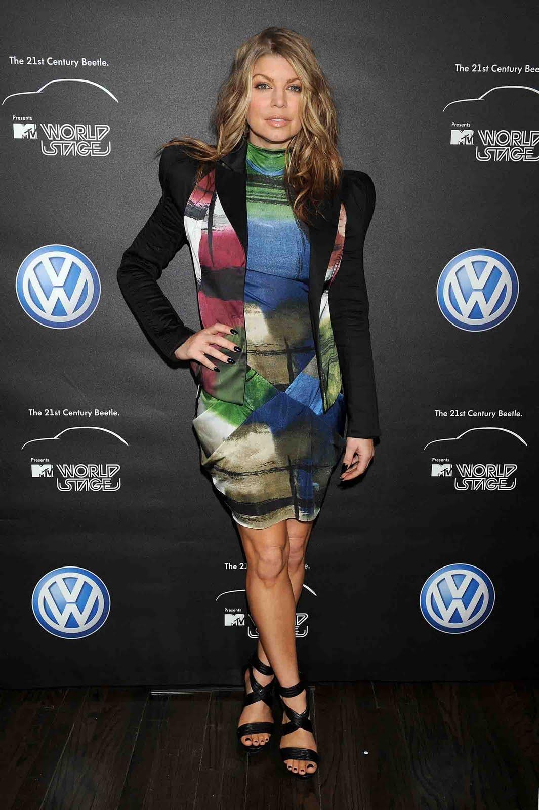 http://2.bp.blogspot.com/-03mJEV518oo/TbR5vhGKM9I/AAAAAAAAddY/LnldtAMOWPc/s1600/Fergie.jpg