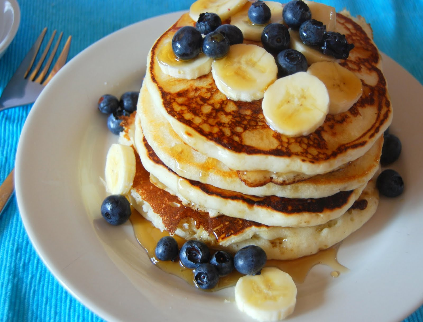Kirsten's Kitchen: of vegan creations: Sunday Morning: vegan pancakes