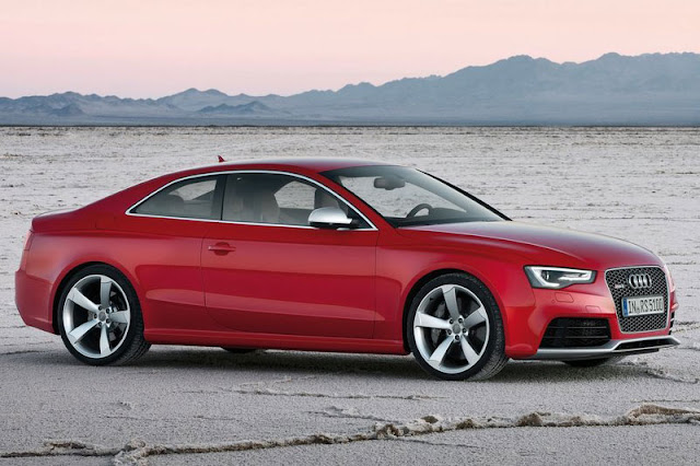 2012 Audi RS5 Coupe Front Exterior