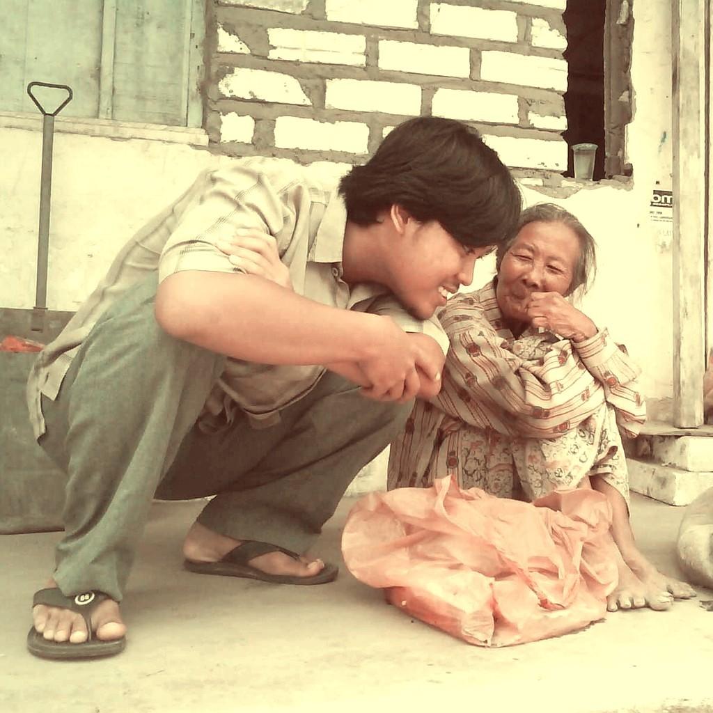 Nenek Rasmunah Blimbing Paciran Lamongan