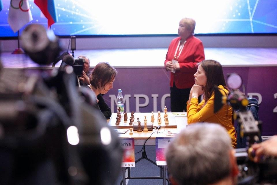 1ère partie : Nulle au 40e coup sur proposition de Mariya Muzychuk dans une position égale issue d'une défense slave Anti-Méran - Photo © Nastia Karlovich