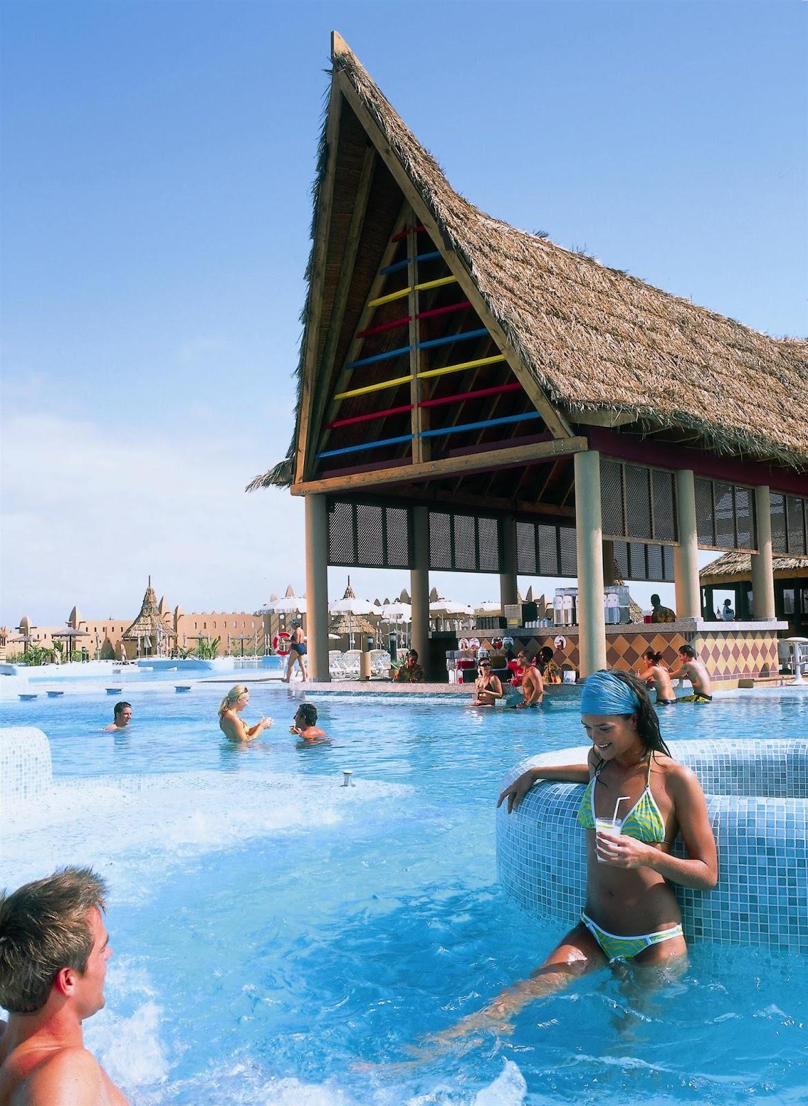 Travel my way africa cape verde sal santa maria riu for Breistroff piscine cap vert