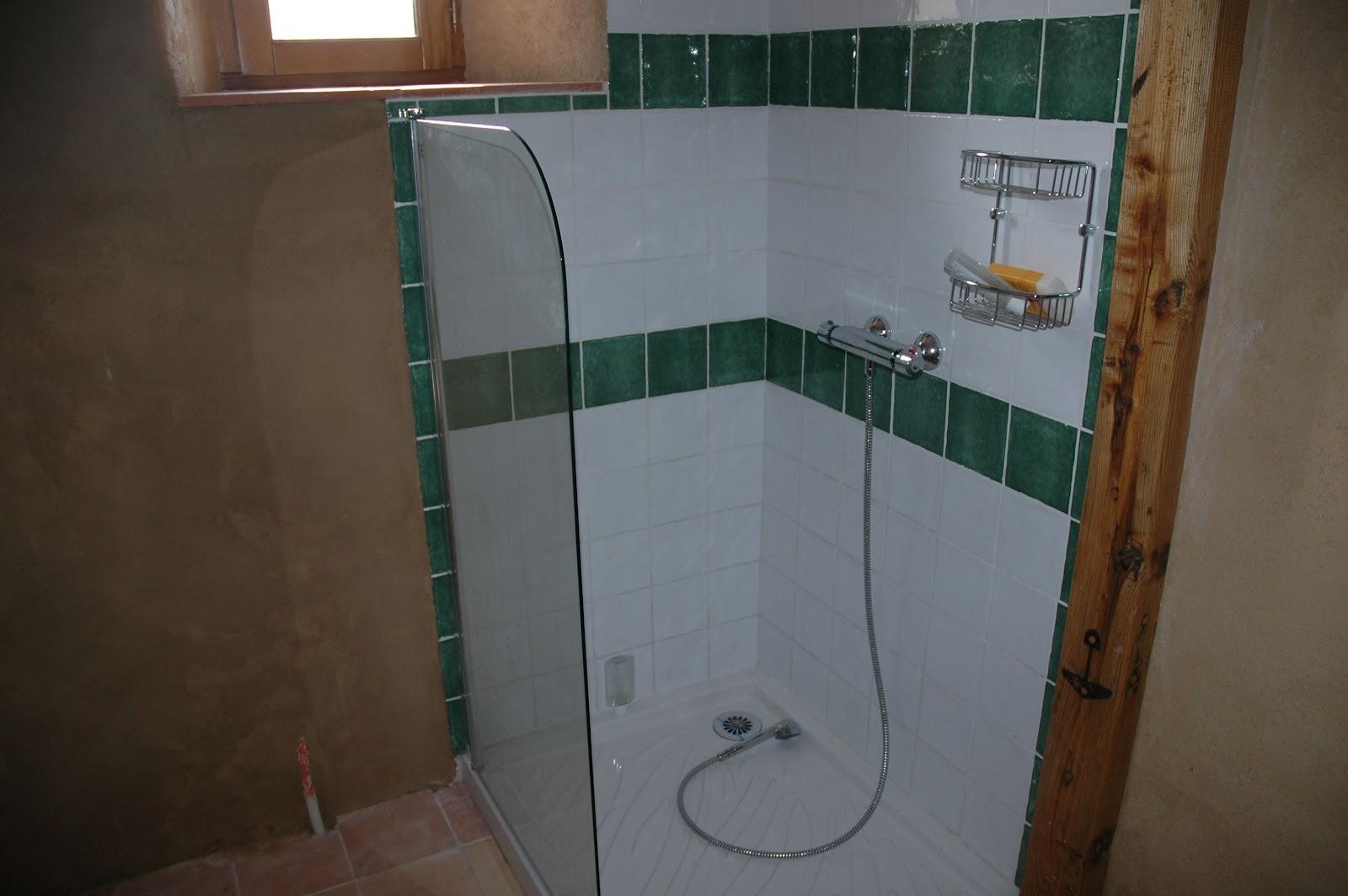 La maison d 39 apr s salle de bain encore for Ventilation dans une salle de bain