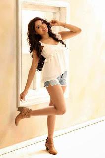 Actress Aishwarya Devan New  Picture Shoot Stills002.jpg