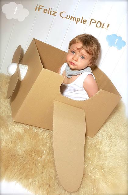 avión de caja cartón