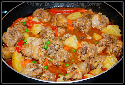 Pinay in texas cooking corner chicken afritada add green peas and carrots during the last 10 minutes of cooking from time to time check to avoid drying and add water if necessary to attain the desired forumfinder Gallery