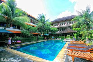 kamar hotel Rp 100 ribu  di kuta