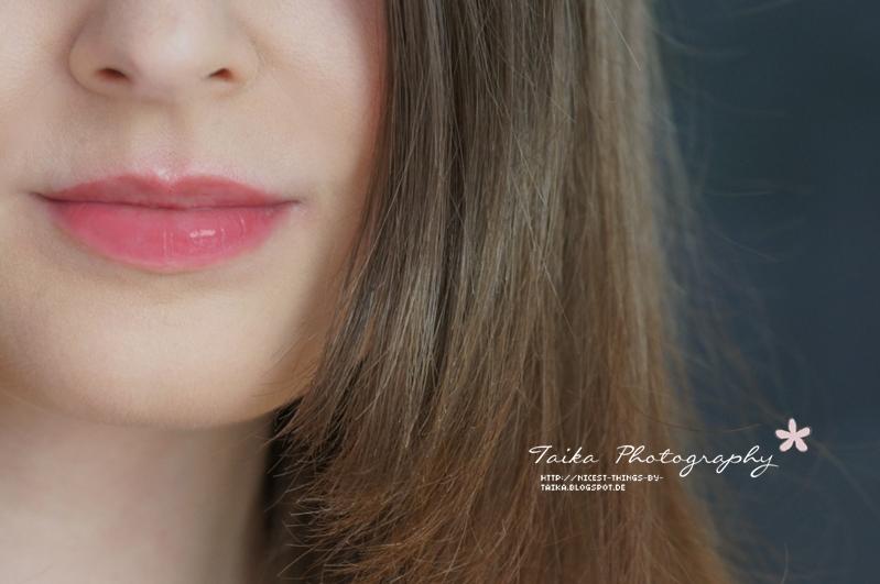 DIY Lip Tint auf den Lippen Lip Stain selber machen Lippenfarbe mit Beeren nachher
