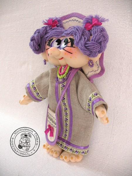 Кукла Фиалка слева