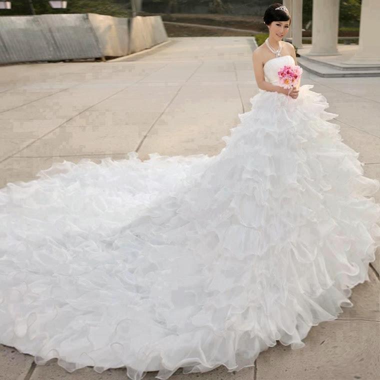 vc  linda num  vestido  de  noiva