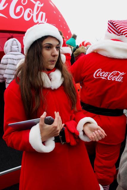 Промоутер павильона Кока-Колы