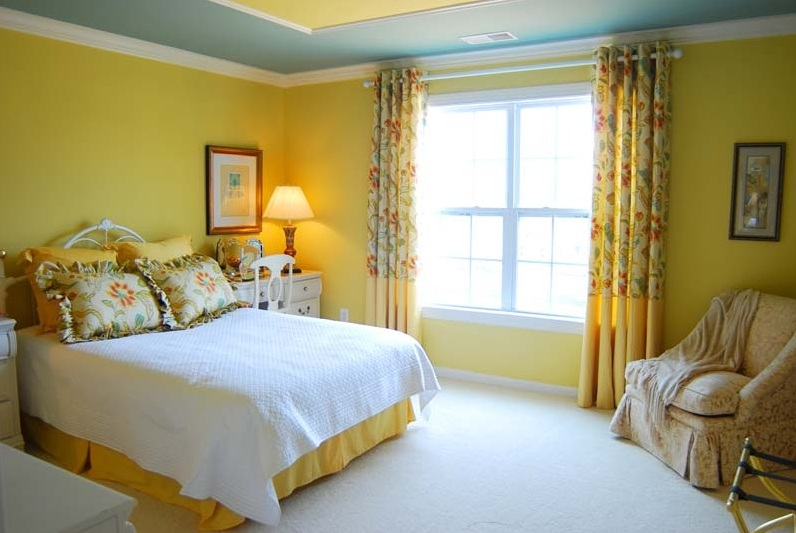 Nice bedroom paint colors bedroom design for Bedroom yellow paint